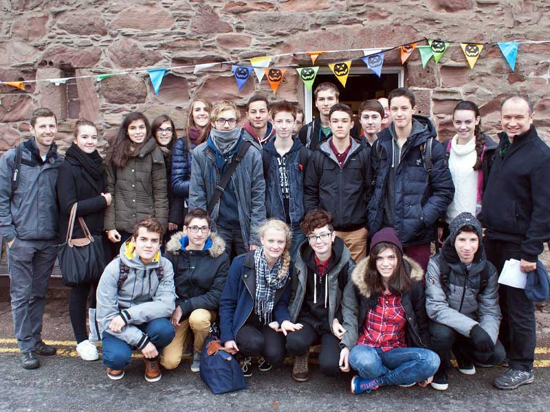 French students from the Lycee Saint-Cricq.jpg